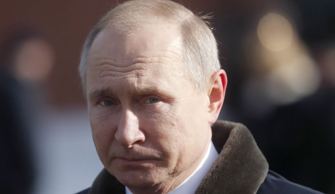 Putin suspende oficialmente participación rusa en tratado de armas INF