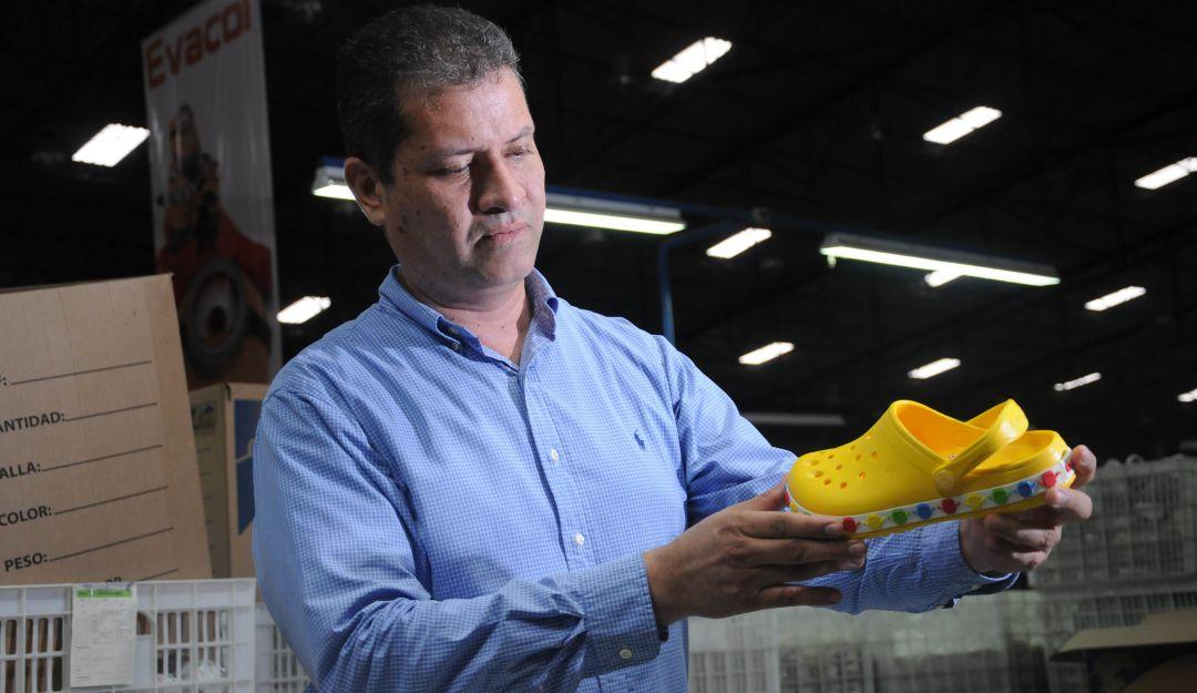 Superindustria sanciona a Evacol por similitudes con Crocs