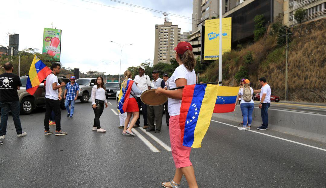 EU sanciona a banco ruso vinculado con Venezuela