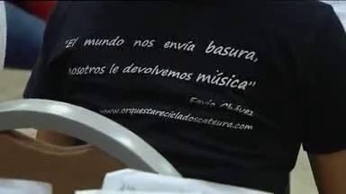 Niños paraguayos convierten basura en música