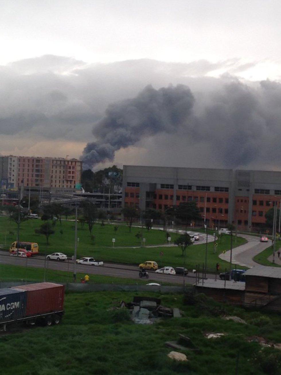 La nube de humo cubrió buena parte de la zona