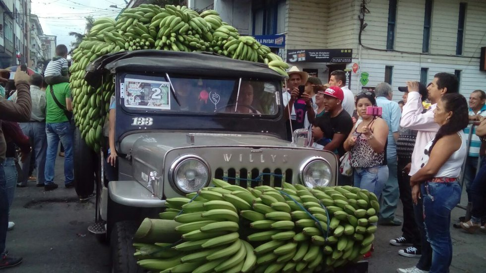 El yipao el carro por excelencia del pueblo paisa se dio cita en Calarcá