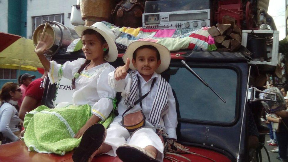 Los niños también hicieron parte del tradicional desfile