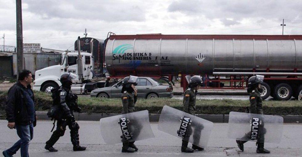 En Duitama la población le solicita al presidente que desmilitarice la zona, debido a que según mencionan en redes sociales, el Esmad abusó del poder provocando la muerte de uno de los camioneros que estaba en protesta.