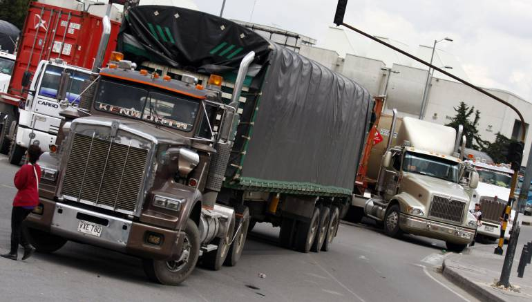 Paro camionero afecta vías de Cundinamarca | Bogotá | Caracol Radio