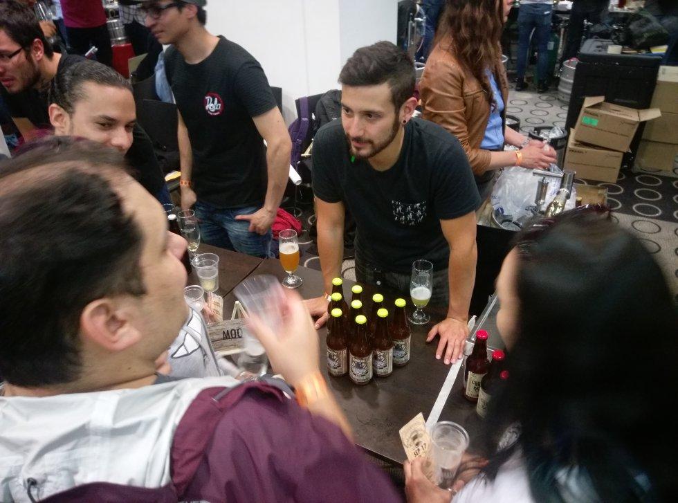El espacio también sirvió para que compradores contactaran y conocieran nuevas marcas de productores de su bebida favorita.