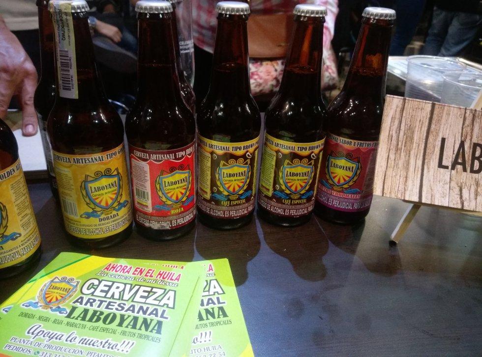 """Laboyana, una cerveza que hizo parte del festival, llegó desde Pitalito Huila. """"Es como una cachetada, al comienzo es fuerte y después te puedes volver adicto a ella"""", afirmó Samuel Morales, uno de los asistentes al evento sobre esta marca de cerveza."""