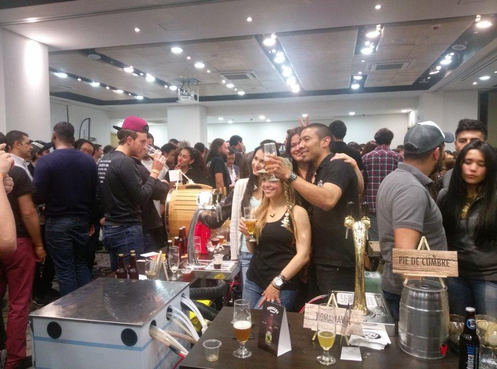 El Tercer Festival de Cerveceros Artesanales no solo sirvió para que prooductores dieran a conocer sus marcas, sino también para afianzar lazos entre ellos.