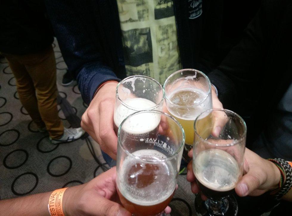 Cervezas de diferentes sabores, colores y texturas se hicieron presentes.