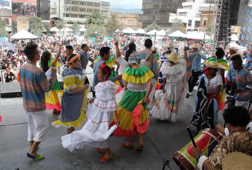 """Música y baile para celebrar el día de los """"negritos"""" en Pasto"""