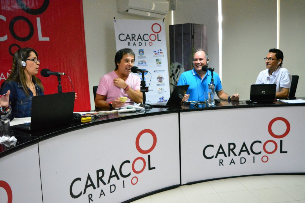 Equipo periodístico de 6AM Hoy por Hoy con las autoridades de Valledupar y el departamento.