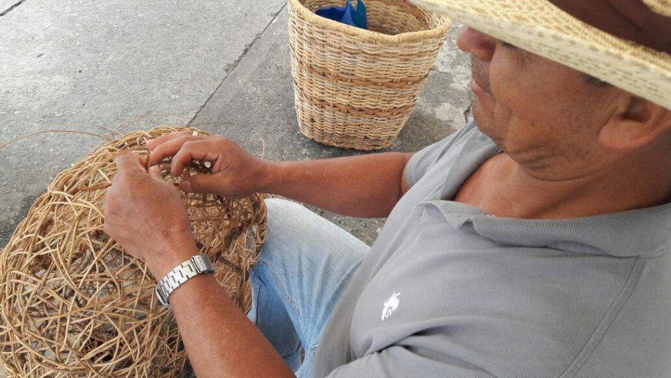 Daniel José Melchor y su mejor trabajo la cestería