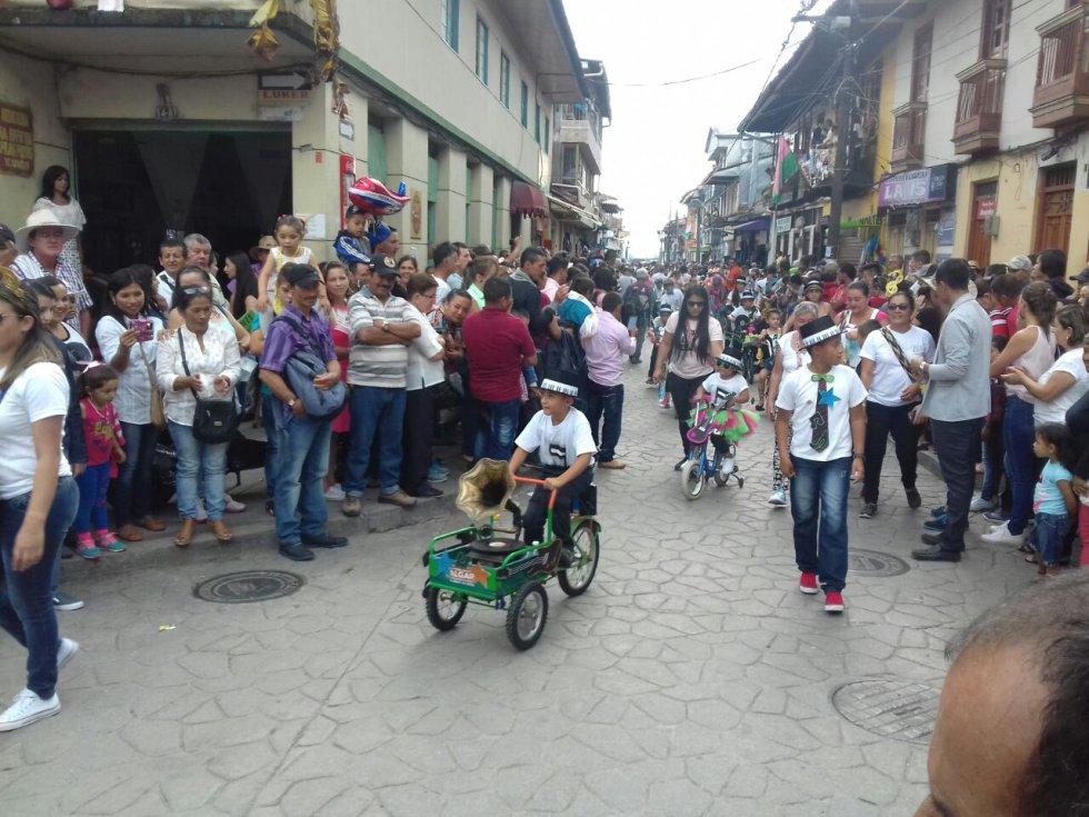 Los niños en triciclo, una tradición que recupera el carnaval de la libertad