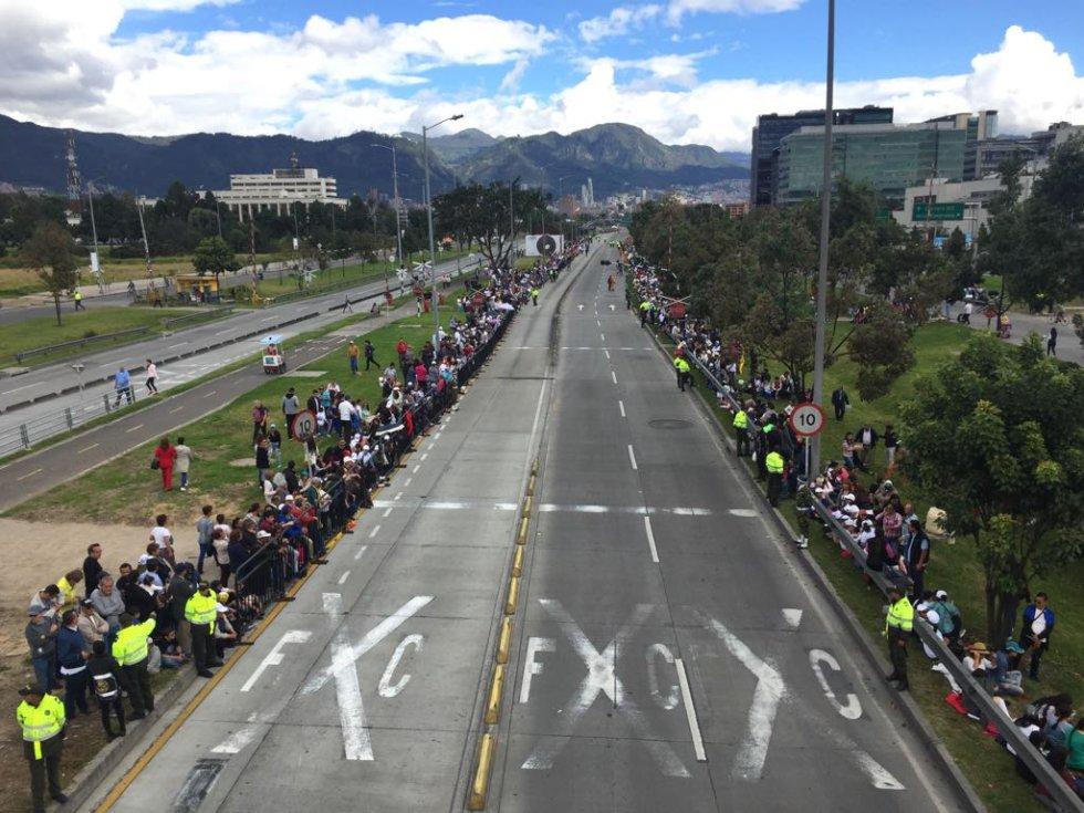 Desde las 0:00 horas hasta las 10 p.m. del 7 de septiembre hay restricción total para la circulación de vehículos a motor en el perímetro del Parque Simón Bolívar comprendido entre la Avenida Calle 68 hasta la Avenida de La Esperanza y la Avenida de Las Américas y entre la Avenida Rojas y la Avenida NQS o Carrera 30.