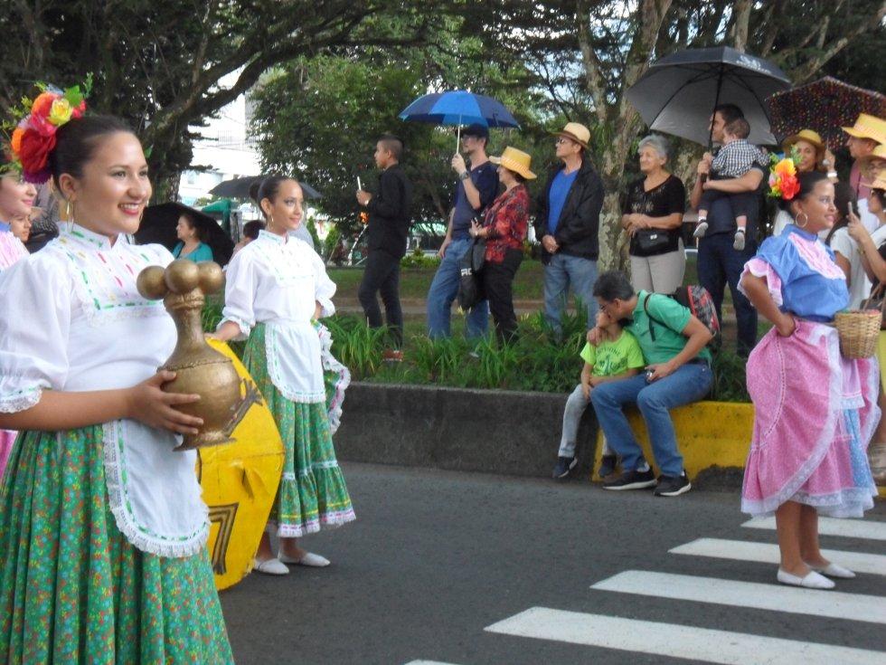La danza y el poporo Quimbaya como parte de la cultura e historia de la región
