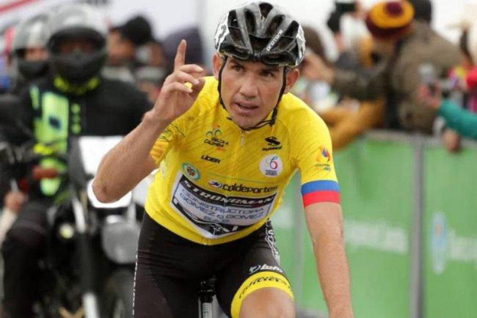 Este pedalista del Hato, Santander, se coronó campeón de la Vuelta a Colombia en bicicleta. Como casi todos los deportistas, procede de una familia humilde de un pequeño pueblo dedicado a actividades agrícolas. Cuando se puso la camiseta amarilla de líder, muchos creyeron que era una situación pasajera, pero terminó imponiéndose en la vuelta.