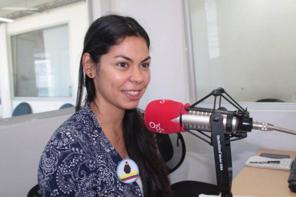 Una santandereana, que vivió gran parte de su vida en el barrio Bucarica y quien llegaba a su colegio El Pilar, en la ruta de Igsabelar, se va para la Antártida. Es de hecho, la única colombiana que hará parte de un selecto grupo de científicas que va al polo sur, en marzo de 2018. Ama la ciencia y con una conferencia de dinosaurios, ha deleitado e interesado a miles de niños en Colombia.