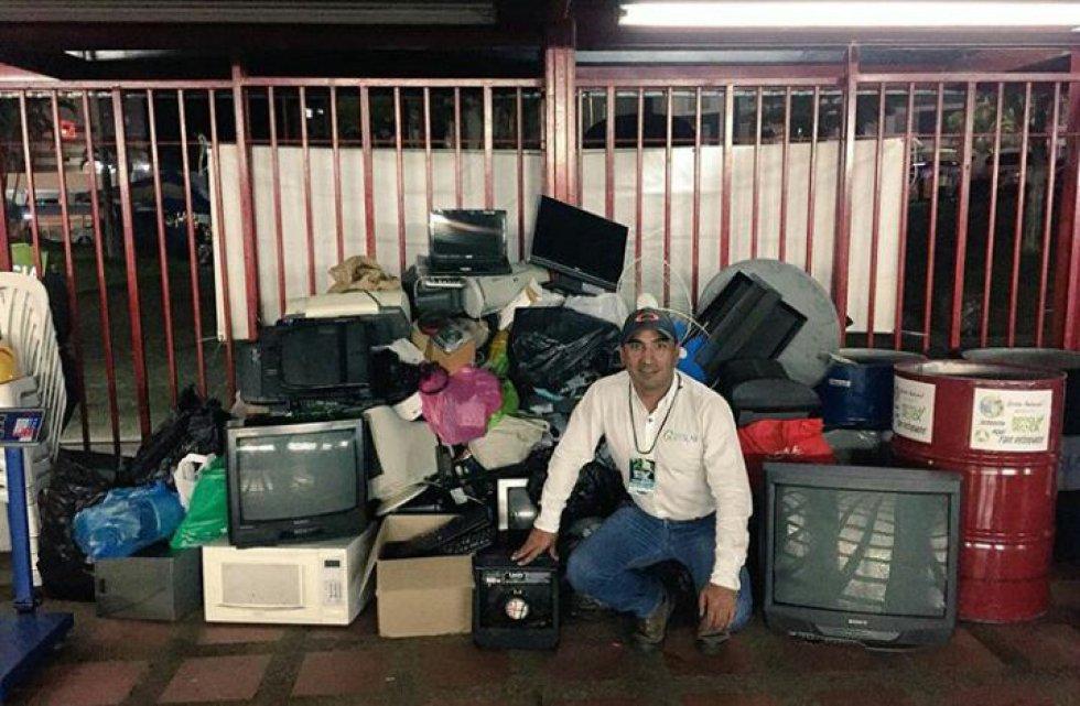 Juan Manuel Arias, coordinador de la empresa encargada de recolectar los residuos electrónicos