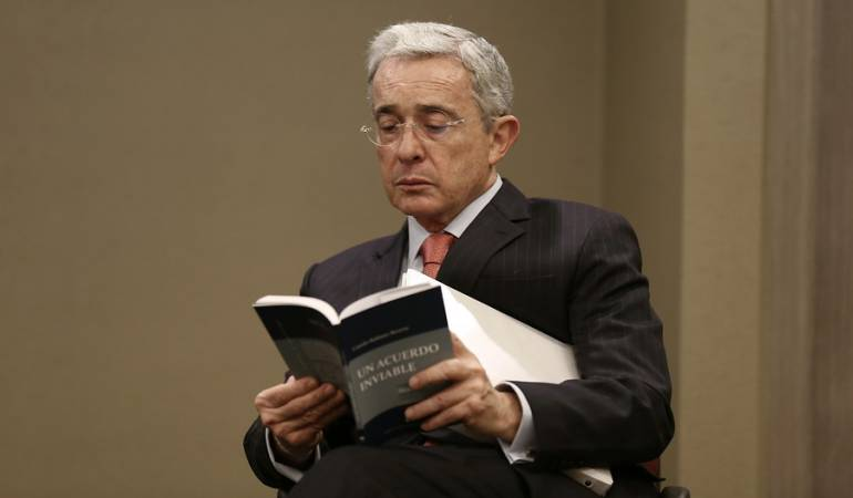 Uribismo pide celeridad en investigaciones por robo en su sede