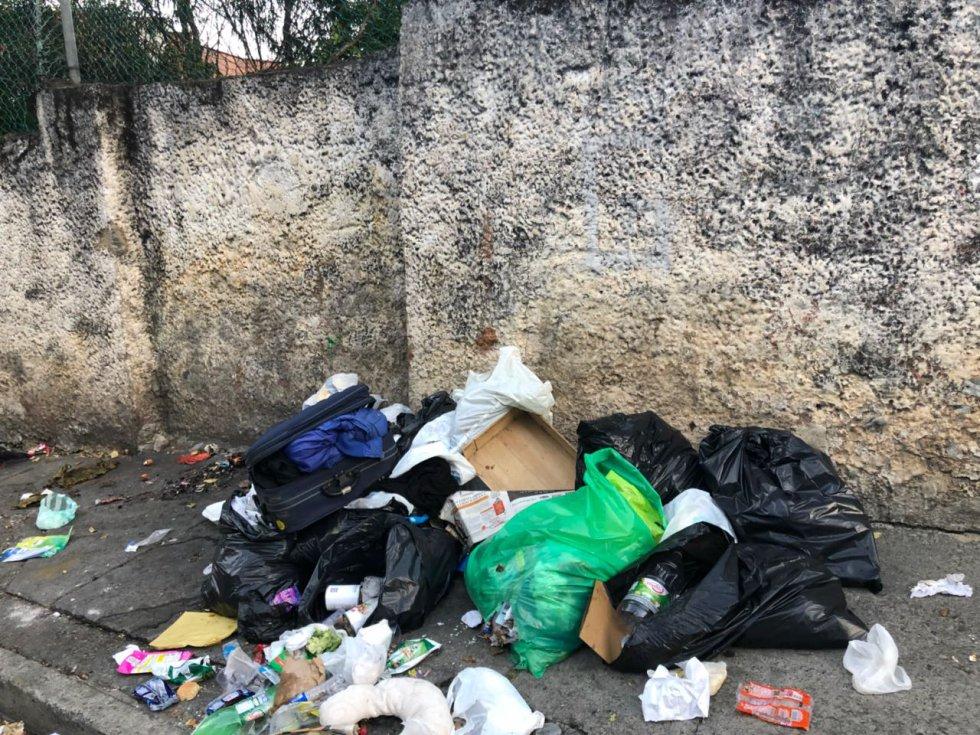 Inundación de basuras en Bogotá