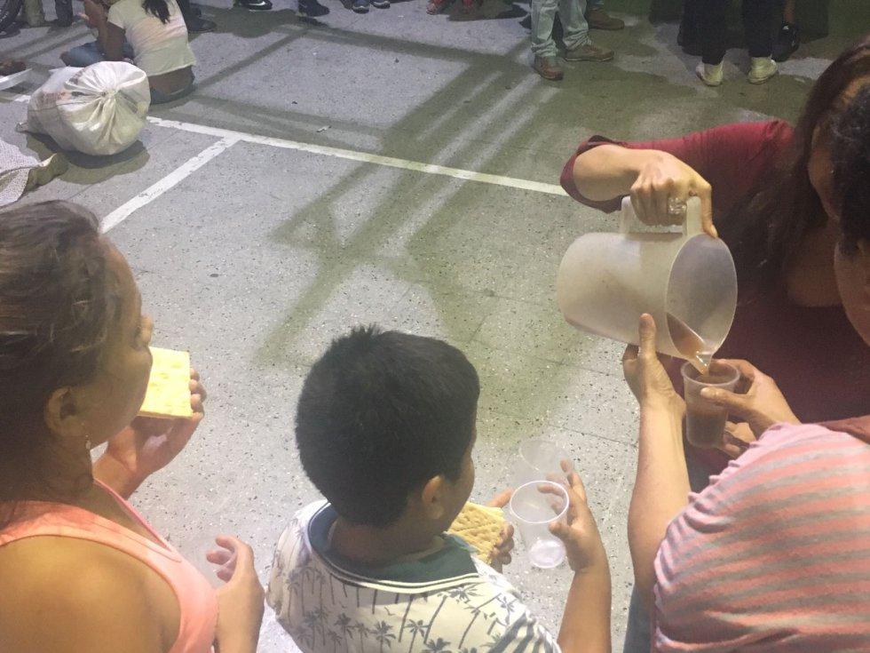Así permanecen esas instalaciones con las carpas improvisadas para alojar a las familias afectadas por la crisis de Hidroituango.
