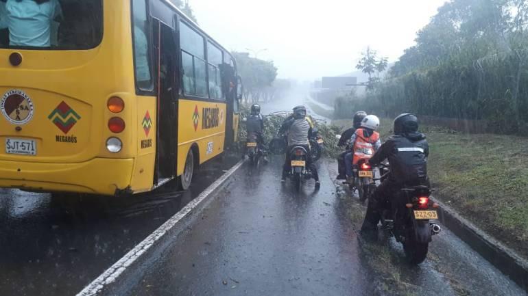 Afectaciones por lluvias en Pereira: Aguacero con vendaval destechó viviendas y volvió a causar daños al Estadio
