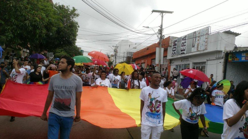 Con banderas y arengas la comunidad LGBTI pidió igualdad