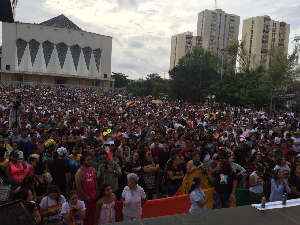 La comunidad LGBTI se congregó en la Plaza de la Paz