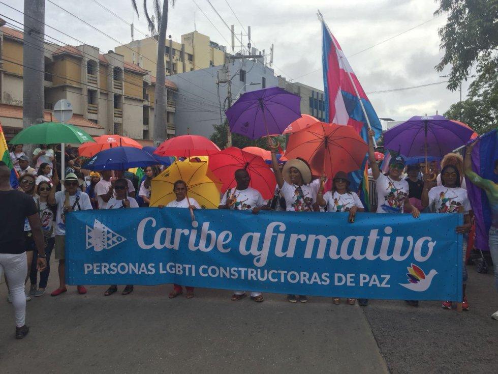 Lesbianas, Gais, Bisexuales y Transgeneros participaron de la marcha