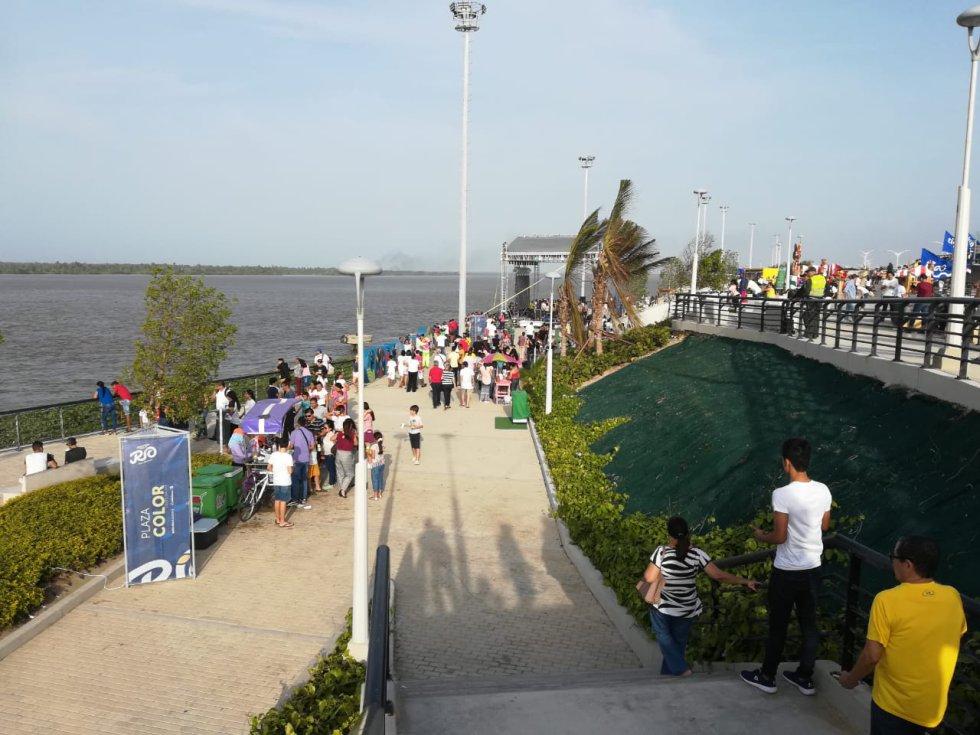 El Río Magdalena se convierte en el paisaje cuando se visita el Gran Malecón del Río.