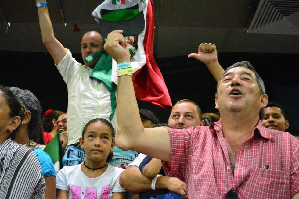 La masiva asistencia de los asistentes a los escenarios de los Juegos Centroamericanos y del Caribe.