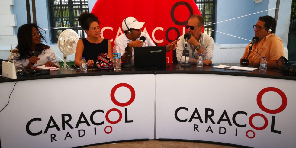 Con invitados como Adlai Stevenson, Judy Hazbún y Jorge Villalón los 70 años de Caracol Radio se vivieron en Barranquilla