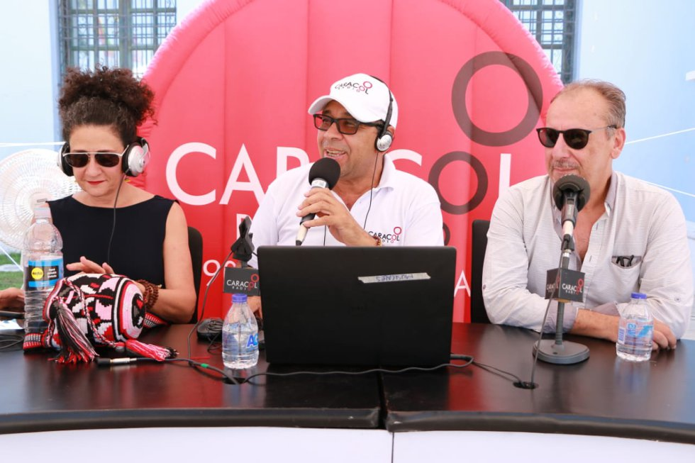 Caracol Radio estuvo en la intendencia fluvial para festejar sus 70 años.