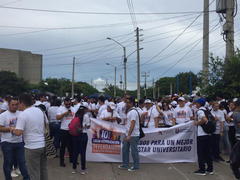La marcha salió desde la Universidad del Norte y se concentró en la Plaza de la Paz