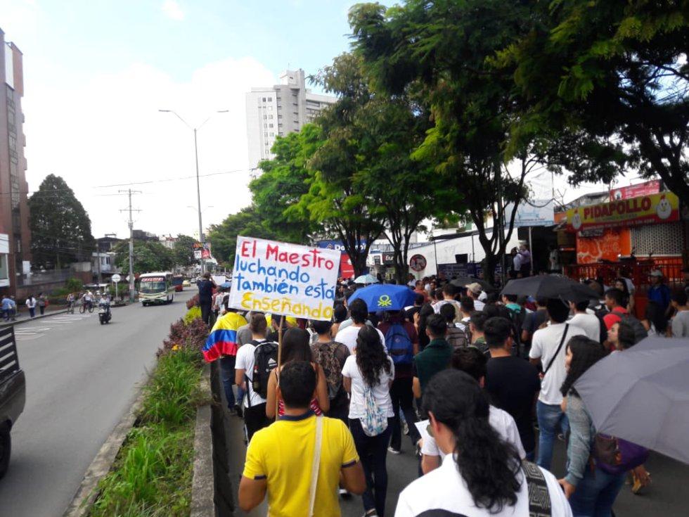 El respaldo de los estudiantes a los docentes en su protesta