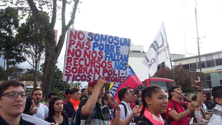 Resultado de imagen para marchas universitarias manizales