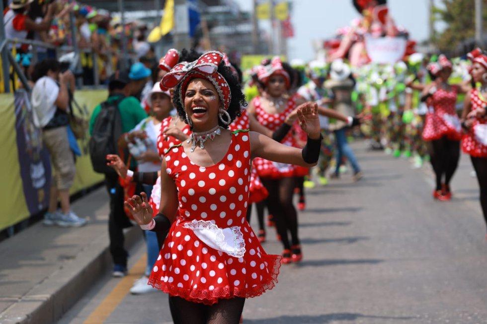 Las Negritas Puloy, emblemático disfraz del Carnaval engalanó el desfile