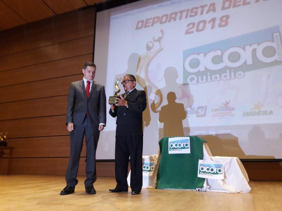 Mejor entrenador Jorge Beltrán en atletismo