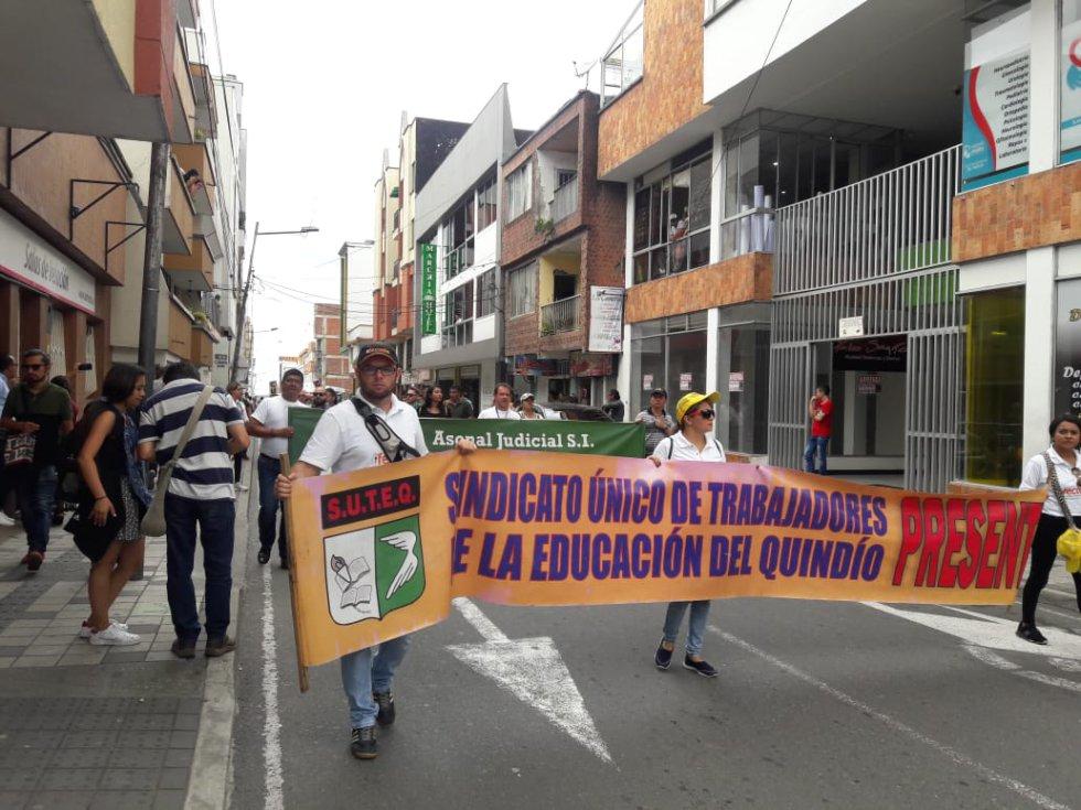 Los maestros nuevamente en las calles