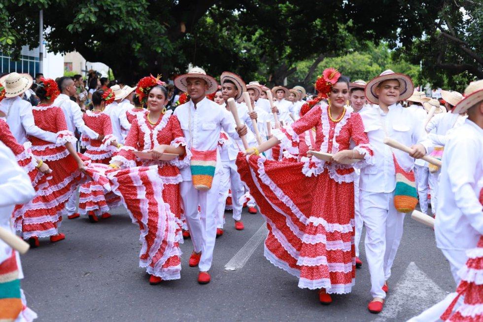 El Desfile de Piloneros Menores se convierte en un antesala del Festival Vallenato
