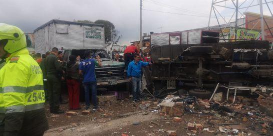 Emergencia en el occidente de Bogotá por explosión de cilindros de gas