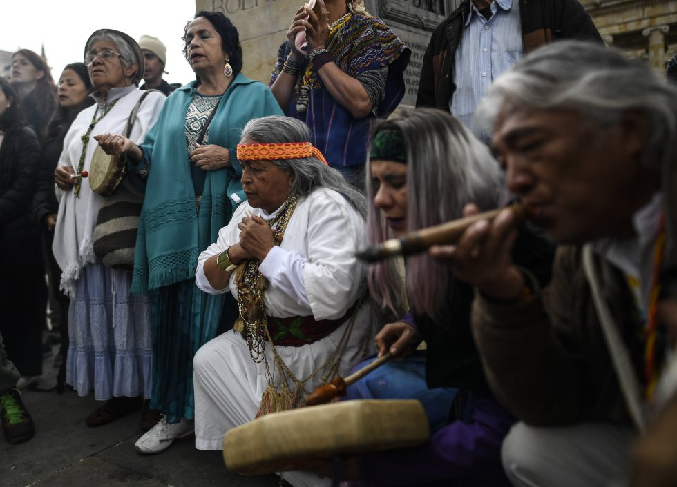 Ceremonia indígena durante la huelga