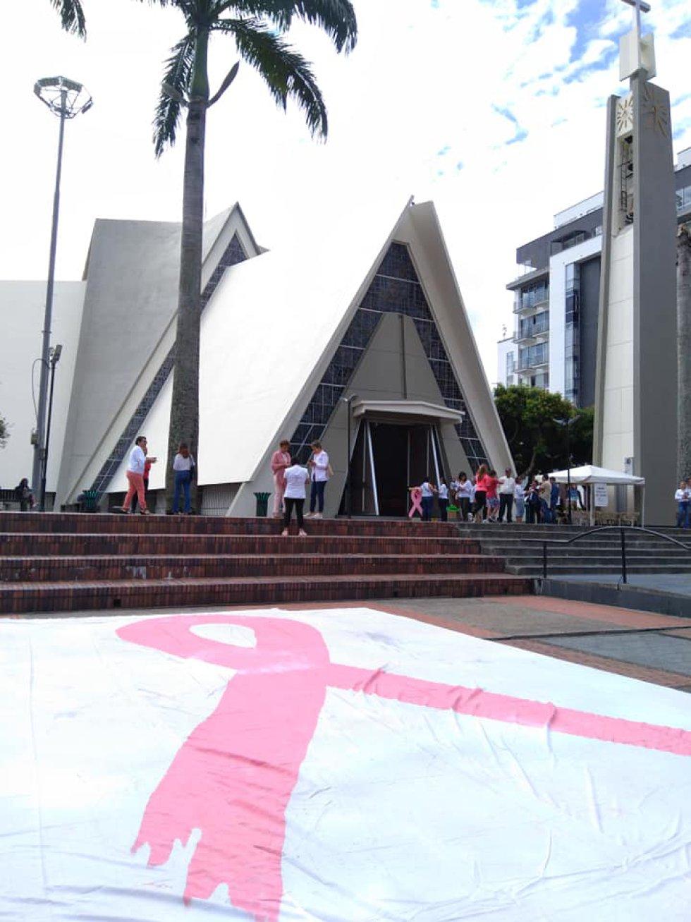CÁNCER: [FOTOS] En Armenia se conmemoró día internacional lucha contra cáncer mama