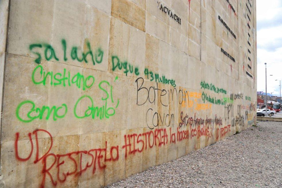 Protestas estudiantiles en Bogotá: ¡Se pasaron! así quedó 'Los Héroes' tras marcha estudiantil