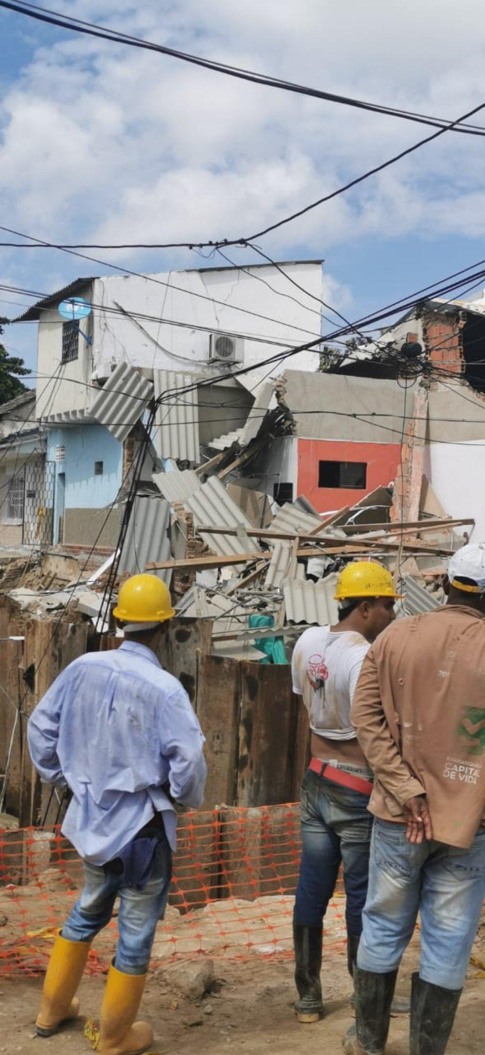 Hay otras 15 viviendas en inminente riesgo de desplome por la socavación que ha producido las obras