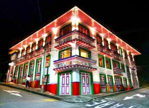 La tradición, la cultura, la gastronomía, el café y la arquitectura de Filandia