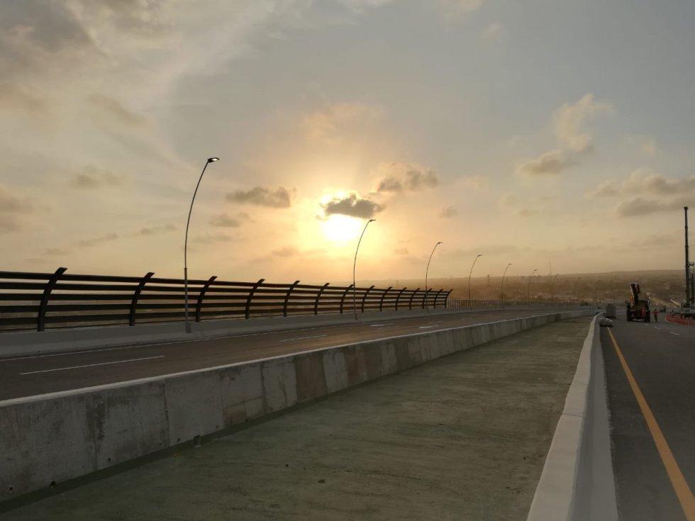 Para la construcción del nuevo Puente Pumarejo se tuvo que utilizar 180.000 metros cúbicos de concreto y 33.000 toneladas de acero
