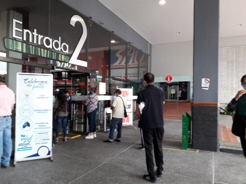 Uno de los ingresos al Centro Comercial Portal del Quindío