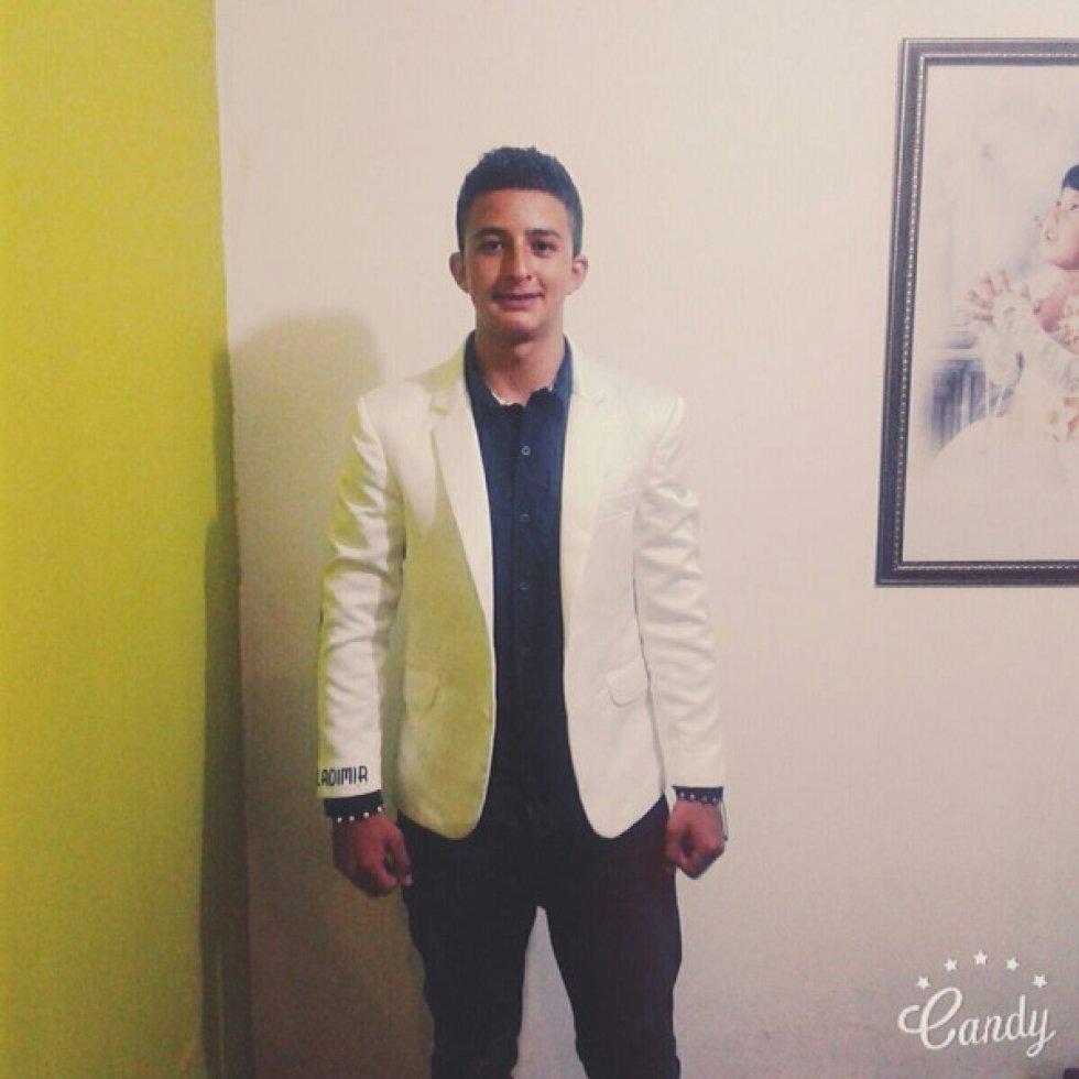 Rubén Darío Ibarra Andrade (20 años). Estudiante auxiliar de enfermería Politécnico San Juan de Pasto.