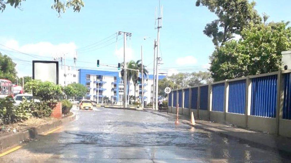 Salida por la Avenida San Martín a la altura de la Base Naval